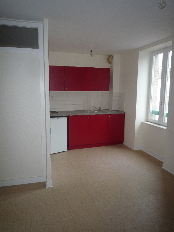 Appartement  T 1 bis centre  SAINT RENAN